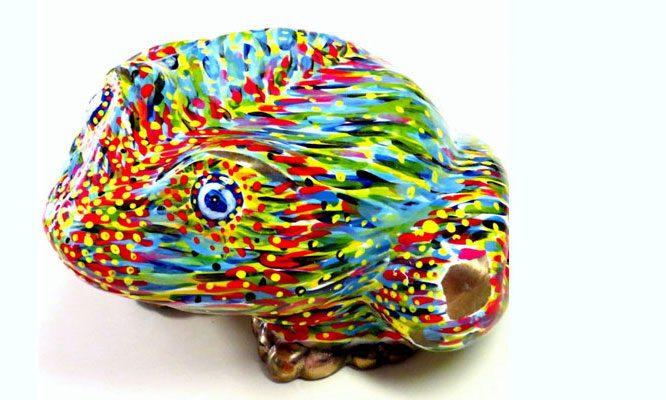 איריס עשת כהן אמנית גלריית הסטודיו צפרדעים מברונזה